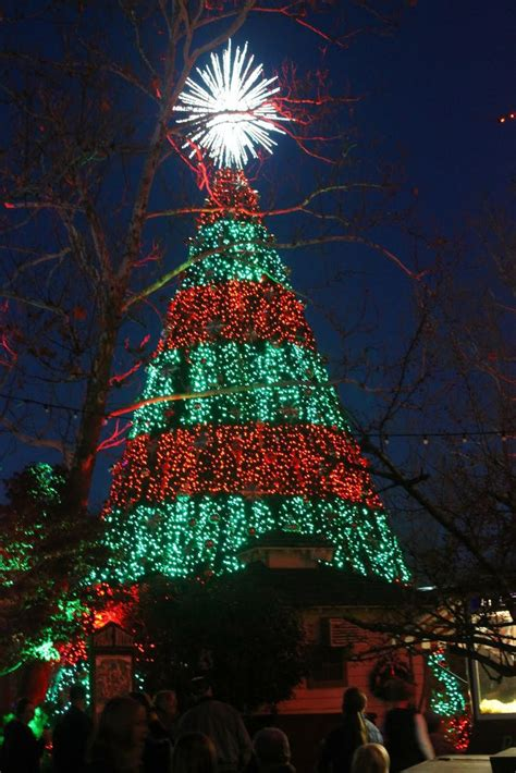 silver dollar city lights 963 best ᏟᎻᎡḭᏚᎢᎷᎪᏕ lights nights of light images on