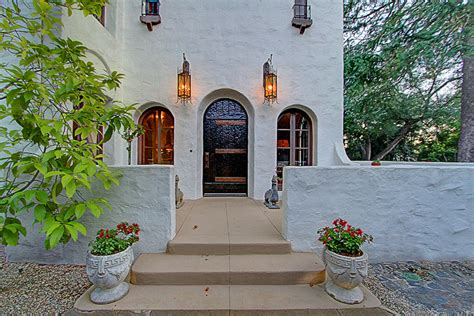 renovated 1925 colonial in altadena for sale 2