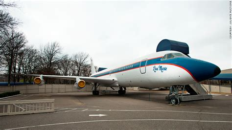 elvis plane elvis presley s private planes to be auctioned off jan 2 2015