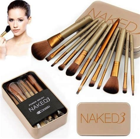 7 Makeup Tools You Must To Do Your Makeup Like A Pro by 13 Must Makeup Accessories