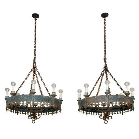 Large Antique Spanish Iron Chandelier For Sale At 1stdibs Big Chandeliers For Sale