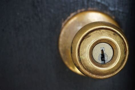 Door Knob Key by Clever Use Of Lighting Tipsfromtia