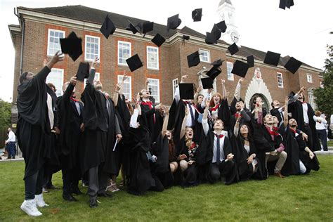 Middlesex Mba Dubai by Hendon Lit By Graduation Success Middlesex