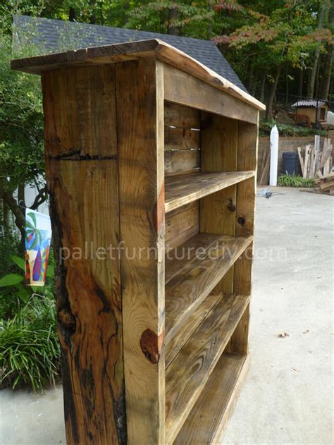 pallet bookcase tutorial pallet furniture diy