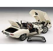 AUTOART 1/18 Jaguar E Type Roadster Series I 38  Cream