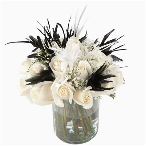 black and white table centerpieces black white feathers centerpiece fxl jpg 1000 215 1000