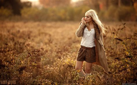 wallpaper girl in nature nature seasons autumn girl hd photo wallpapers new hd