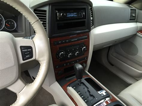 2005 Jeep Grand Interior by 2005 Jeep Grand Pictures Cargurus