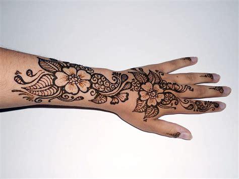 henna tattoo hand blume henna floral by warriorwhite on deviantart
