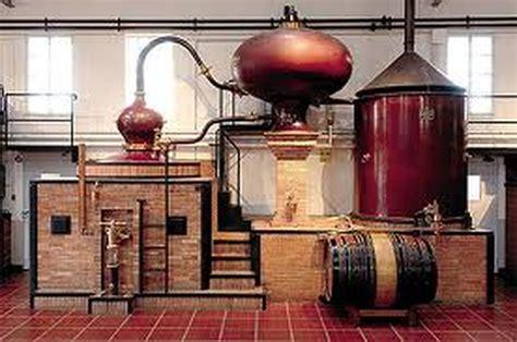 t駘駑atin rubrique cuisine la distillation domaine des collinauds
