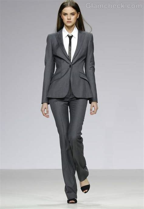 corporate dress up how to dress formal for business office meetings for women