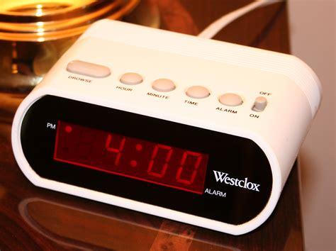 alarm clock with digital tuner applinces funda