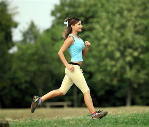 mujres asiedo reducir la celulitis a base de ejercicios
