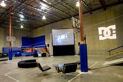 Kaos Fantastic Factory 29 one day one day rob dyrdek s factory factory rob dyrdek soooo cool