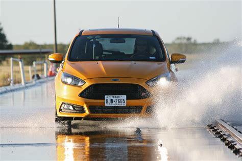 Auto Bild Sportscars Ausgabe 4 2013 by Semi Slicks Im Test Sportreifen Im Format 235 35 R 19