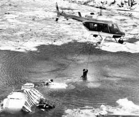 potomac river boat crash the man in the water dying so others could live 1982