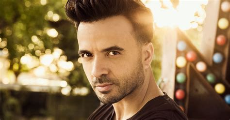 despacito wallpaper luis fonsi on spanish smash despacito justin bieber