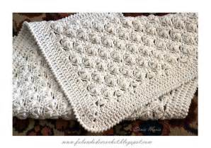 tapete croche on pinterest throw rugs crochet rugs and tapete de quot falando de crochet quot tapete de croche flores puff