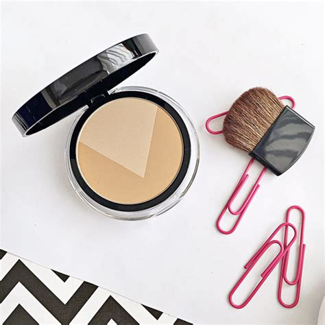 Maybelline V Duo Powder review maybelline v contour by studio giveaway