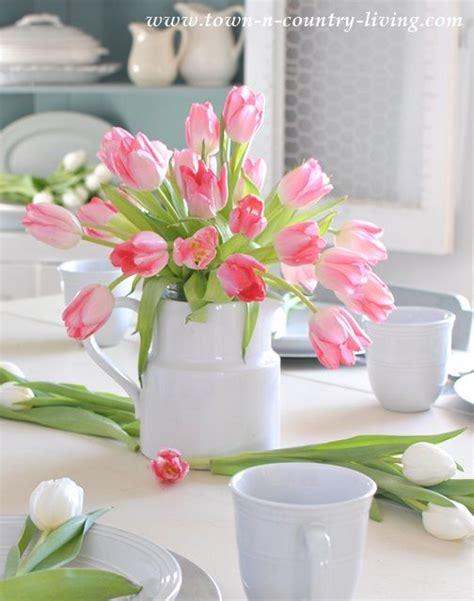 best 25 tulip centerpieces ideas on flower arrangements simple tulip centerpieces