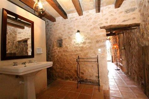 rustikale badezimmerbeleuchtung rustikale fliesen bad das beste aus wohndesign und m 246 bel