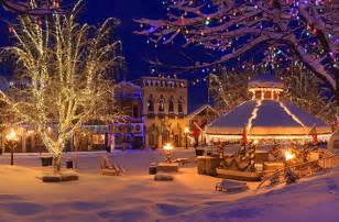 lights in town 10 best small towns for the holidays huffpost