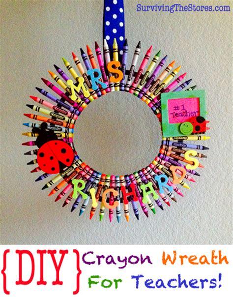 Gift Card Wreath For Teacher - teacher gift ideas diy crayon wreath
