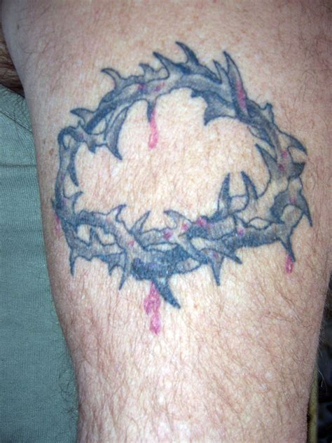 cross and thorns tattoo cross tattoos with crown of thorns cool tattoos