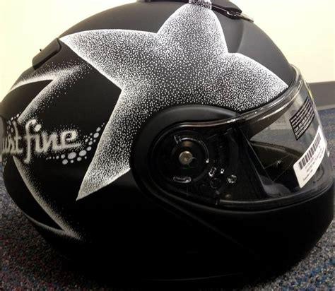 Helm Schwarz Lackieren by 161 Best Images About Helmets On Pinterest Sharpie Art