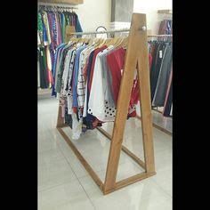Jual Gantungan Baju Kayu desain meja tamu gambar meja tamu harga meja tamu jual