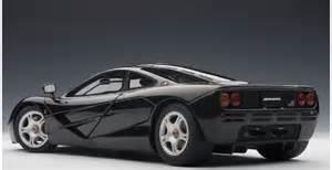 autoart 76002 mc laren f1 road car black 1 18