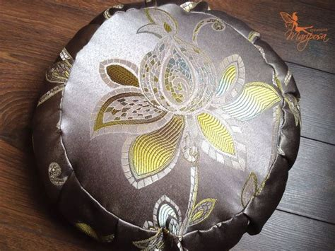 coussin sarrasin 17 best images about zafus meditation on floor cushions geometric mandala and