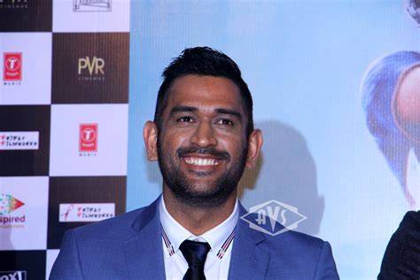 dhoni biography movie trailer ms dhoni trailer launch avstv bollywood and