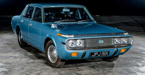 Stiker Sigra barn find 1972 toyota crown returns on the road after 25 years of storage