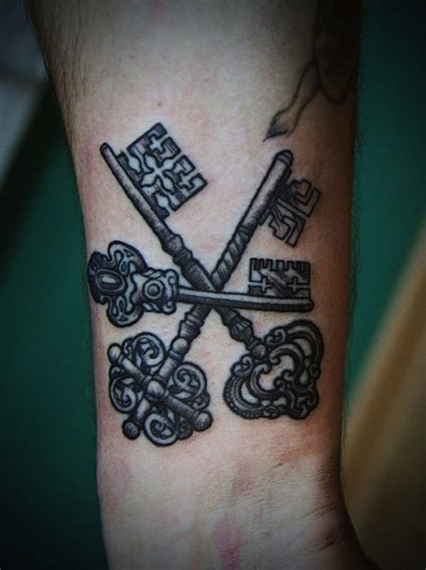 skeleton key tattoo 144 ingenious key tattoos