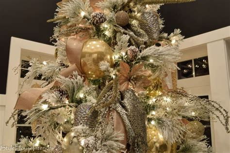 how to decorate a tree like a pro how to decorate your tree like a pro style