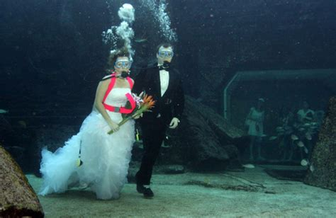 Wedding Underwater by Underwater Wedding In Trang To Feature Many Activities