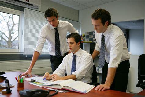 offre d emploi bureau d 騁ude l homme de confiance dans l entreprise