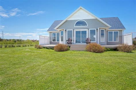 cottage pei pei waterfront cottage for sale prince edward island