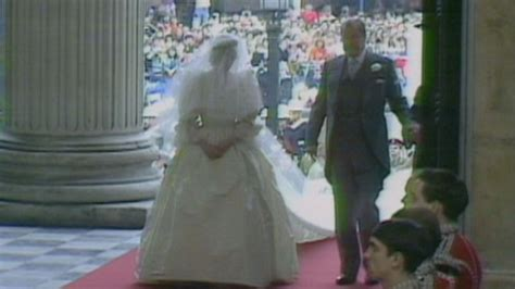 home as a married couple the royal fans all about royal family royal wedding revisited princess diana fans remember the