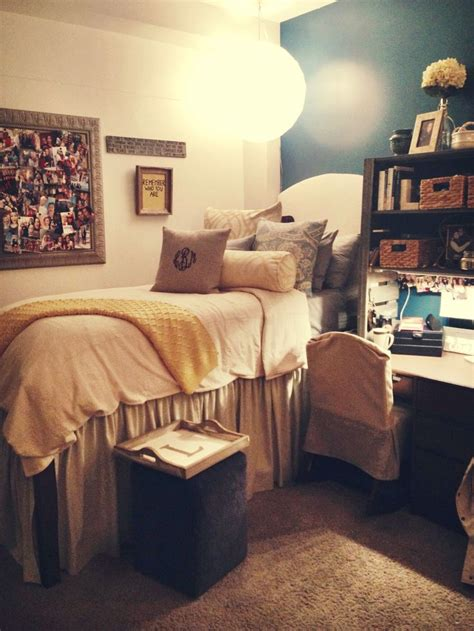 dorm room bed 196 best images about neutral dorm room on pinterest