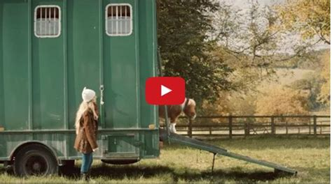 amazon commercial actress with horse the star of amazon s latest commercial is the cutest