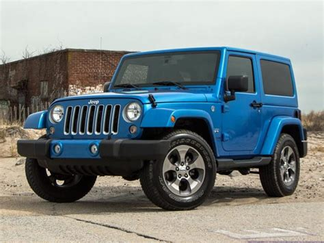 small black jeep 2017 jeep wrangler gets small styling tweaks 2018