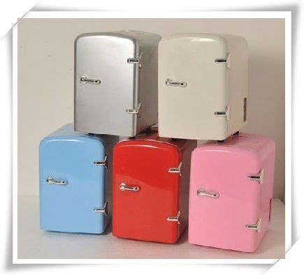 tiny desktop fridges ingenuity right here d