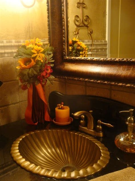Fall Bathroom Decor by Autumn Bathroom Decor 2017 Grasscloth Wallpaper