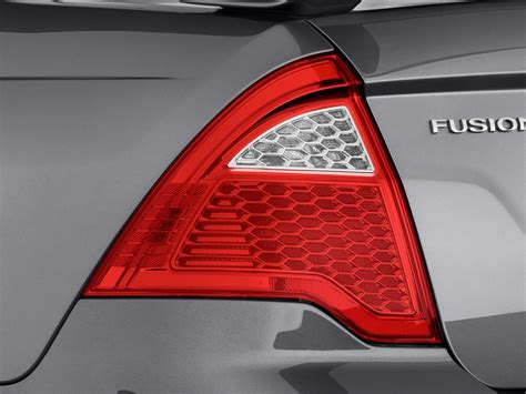 ford fusion tail lights image 2010 ford fusion 4 door sedan se fwd tail light