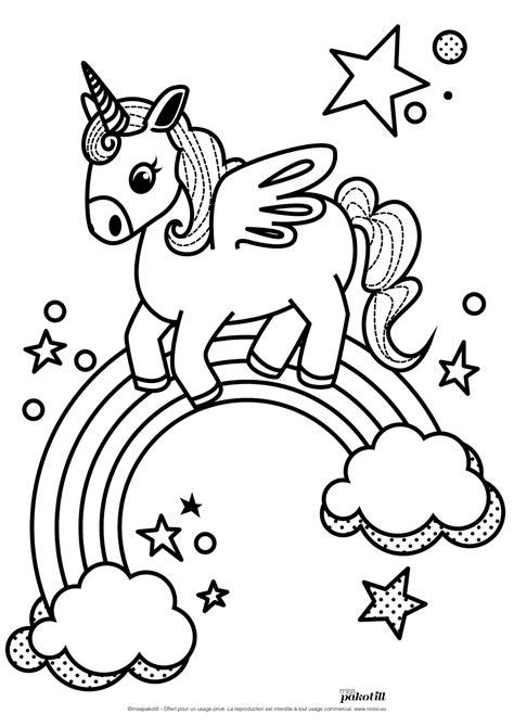 l emoji licorne bient 244 t sur nos smartphones 33 dessins de coloriage licorne 224 imprimer