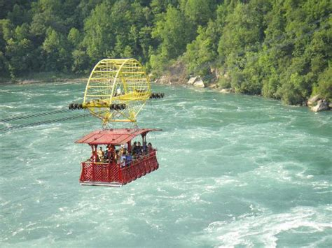speed boat niagara falls a speed boat going close to the rapids picture of