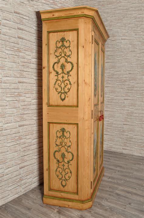 l armadio di italiano armadio a 2 ante in abete antico dipinto a mano in stile