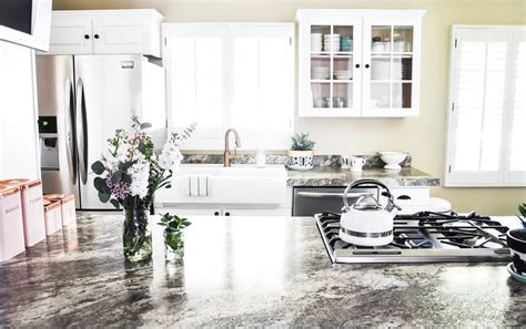 Our 48 Hr (Surprise) Kitchen Makeover   Love and Specs